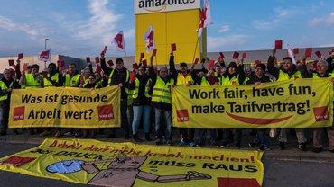 Beschäftigte streiken bei Amazon in Graben