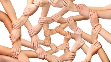 Ein Netzwerk aus Händen