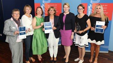 Das Bild zeigt die Preisträgerinnen des Gender-Awards 2018.