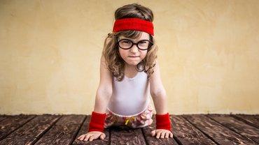 Frau Mädchen entschlossen hartnäckig Verhandlung Sport Gesundheit stark