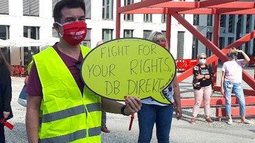 Streikposten bei der DB Direkt